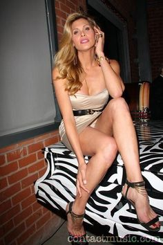 Candis Cayne Nackt foto 2