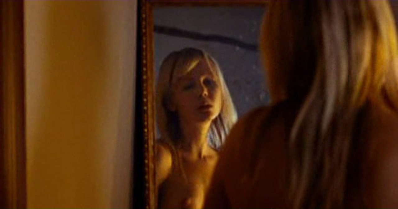 Adelaide Clemens Nackt