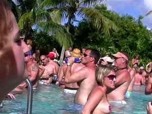 Oben Ohne Pool Party Video