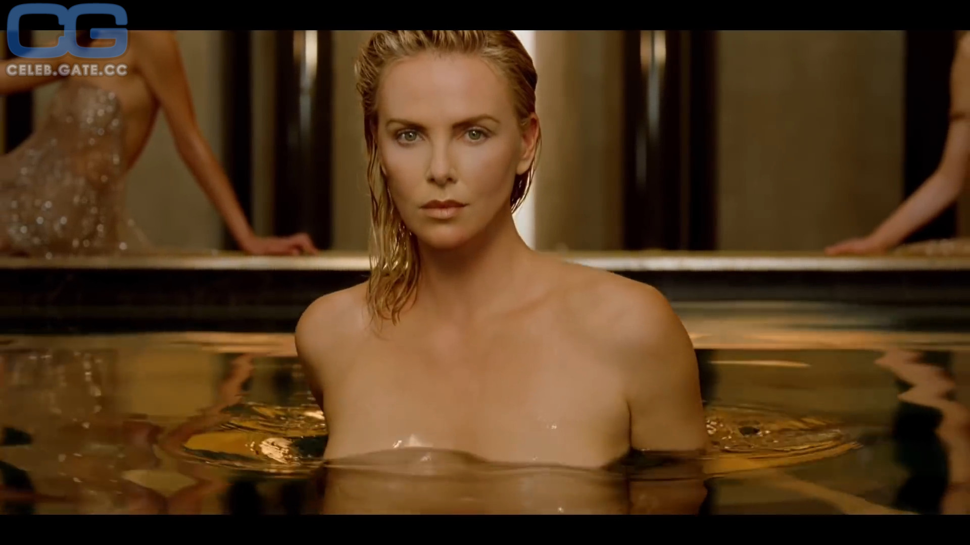 Theron Charlize Nackt foto 2